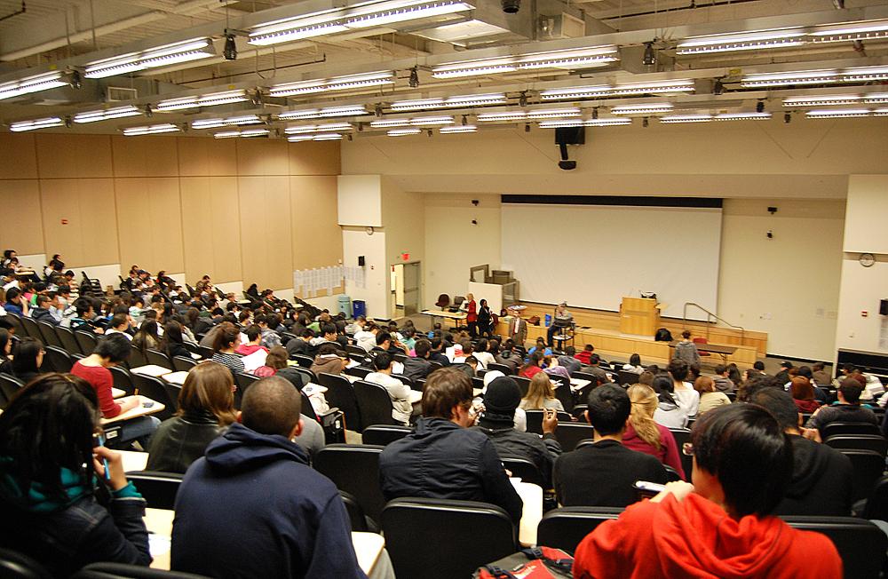 Lecture Hall XBXG32000 Wikimedia